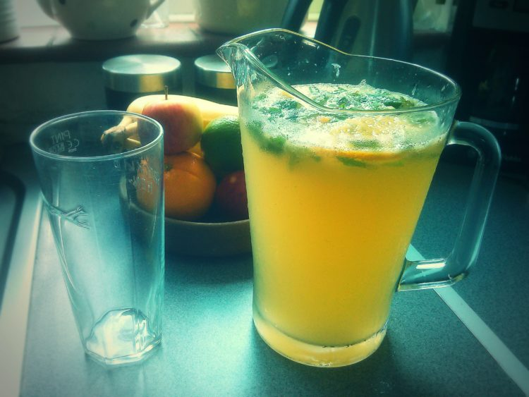 Easy_Homemade_Lemonade_Foodloversheaven
